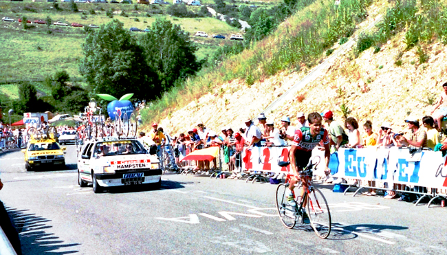 Hampsten rides to Villard de Lans in the 1990 Tour de France