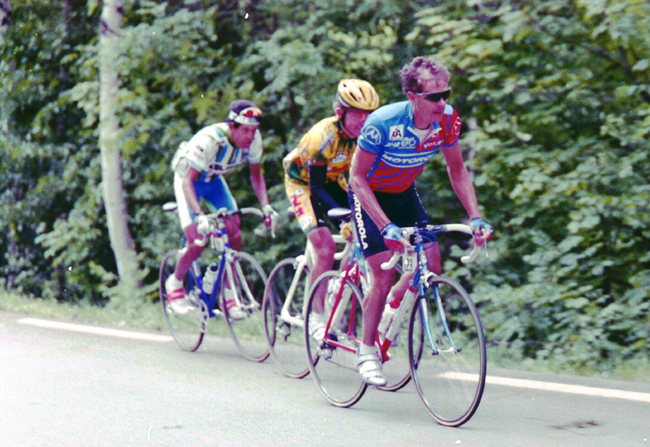 Hampsten climbs to Les Deux Alpes in the 1994 Giro