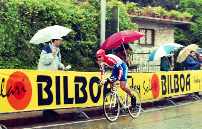 Hampsten in stage 2 of the 1995 Giro