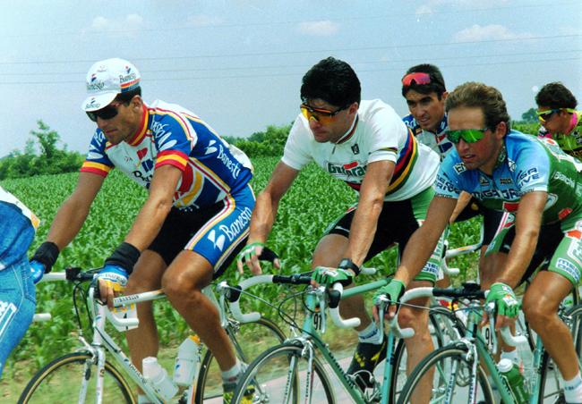 Miguel Indurain photo gallery by BikeRaceInfo