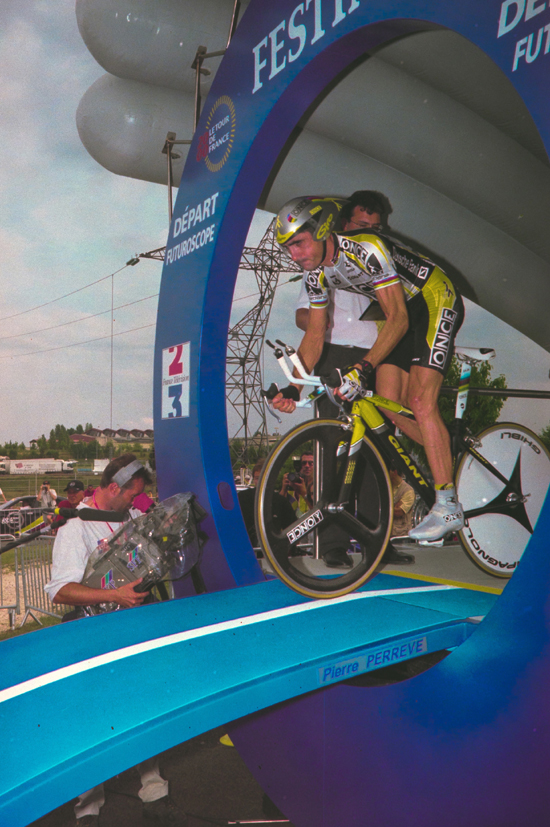 Jalabert takes off in the 2000 Tour de France
