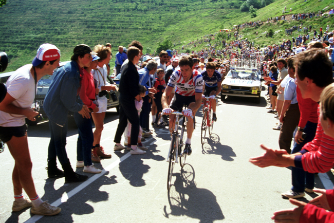 Sean Kelly climbs l'Alpe d'Huez in the 1984 Tour de France