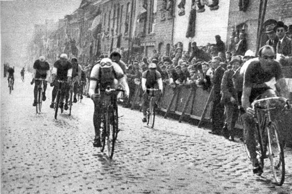 Fiorenzo Magni wins the Tour of Flanders