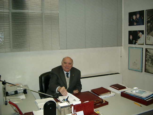 Magni in his office in 2006