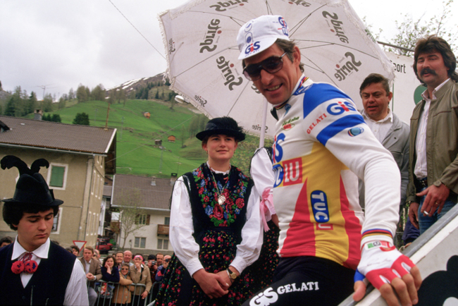 Mosaer signs in to stage 20 of the 1984 Giro d'Italia