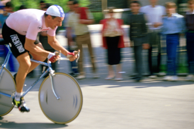 Francesco Moser rides the prologue of the 1985 Giro