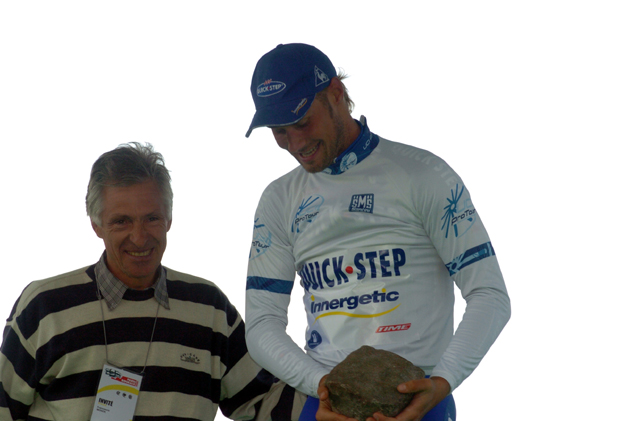 Francesco Mosert with Tom Boonen at the 2005 Paris-Roubaix