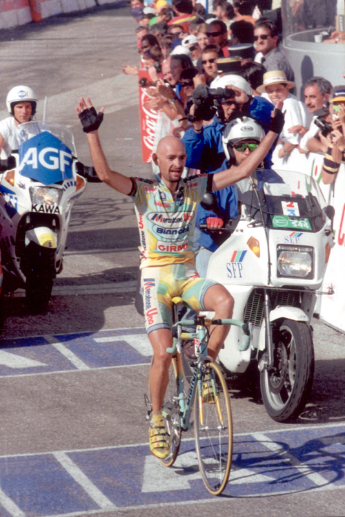 Marco pantani wins stage 11 of the 1998 Tour de France