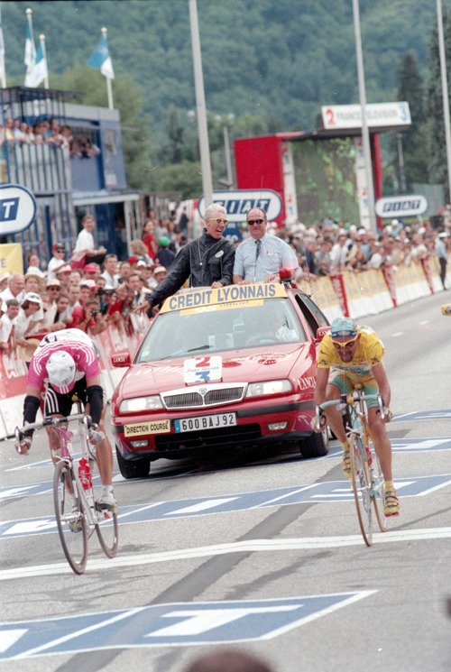 Jan Ullrich beats Marco pantani ins tage 16 of the 1998 tour de France