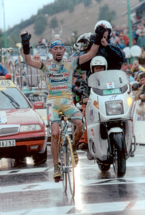 Pantani wins stage 15 of the 1998 Tour de France