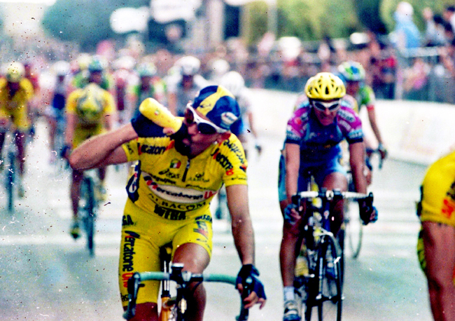 Marco pantani at the end of the 4th stage of the 2000 giro