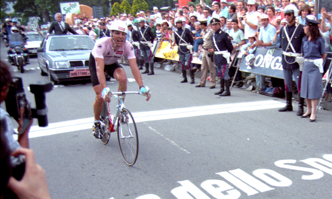 Roche wins the 1987 Giro final time trial