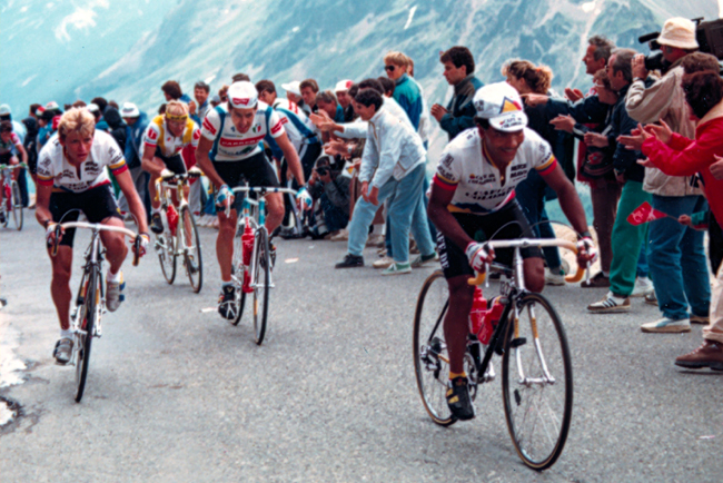 Roche riding to La Plagne in the 1987 tour de France