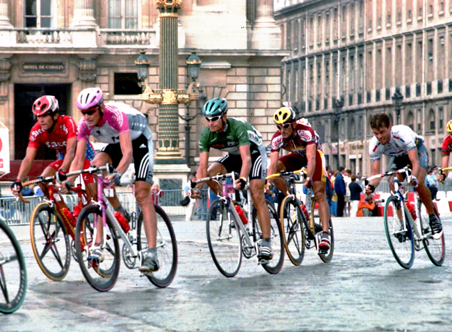 Erik Zabel in the final stage of the 1998 Tour de France