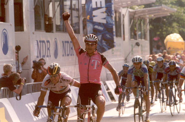 Zabel wins 2001 HEW Cyclassic
