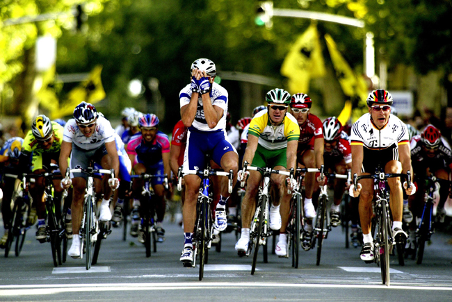 Erik Zabel wins 2003 Paris-Tours