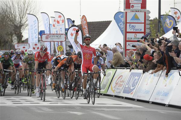 Nacer Bouhanni wins the 2015 GP de Denain