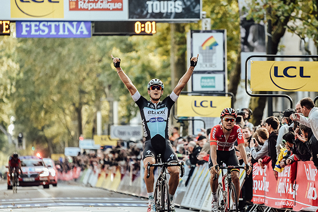 Matteo Trentin wins Paris-Tours