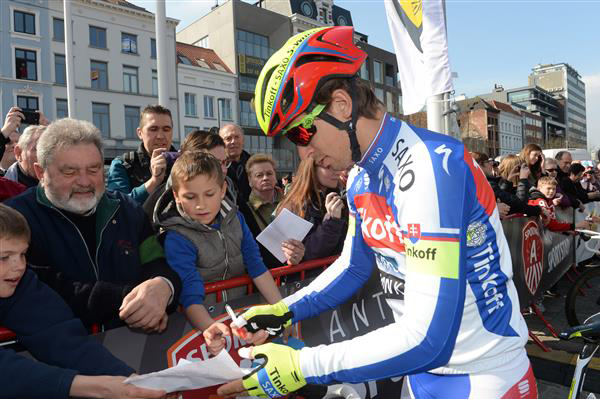 Peter Sagan signs autographs