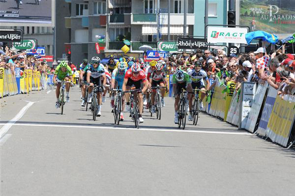 Stage six field sprint