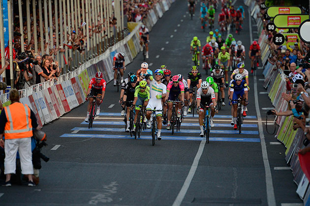 Caleb Ewan wins Down Under Classic