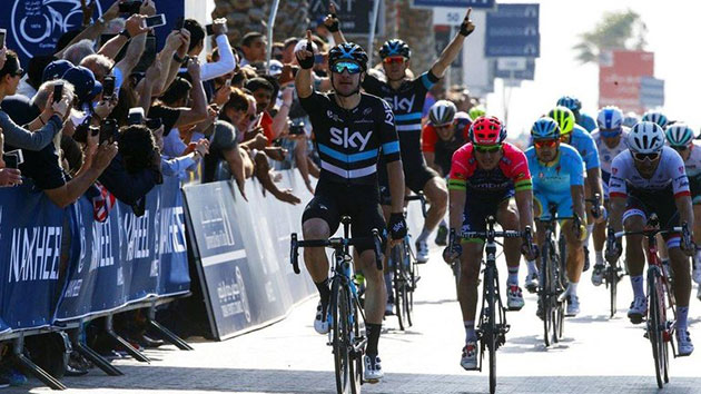 Elia Viviani wins stage 2