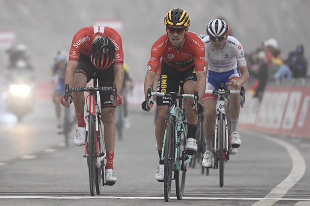 Primoz Roglic wins stage 6