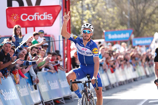Julian Alaphilippe wins stage 1