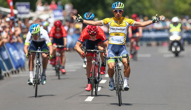Caleb Ewan wins stage 4