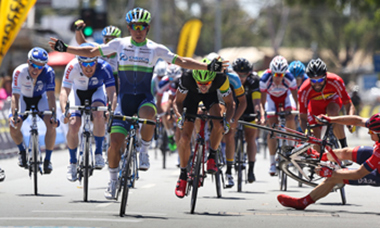 Caleb Ewan wins stage 2
