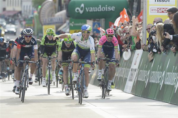 Michel Albasini wins the stage
