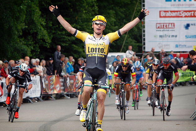 Moreno Hofland wins Ster ZLM Toer stage four