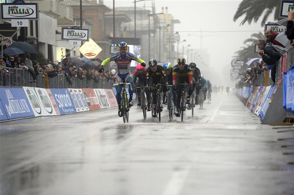 Peter Sagan wins Tirreno-Adriatico stage 6