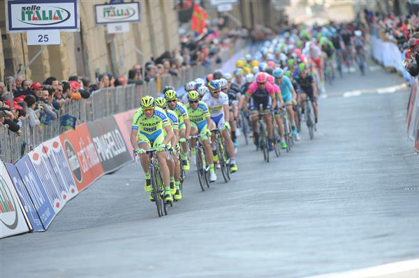 Ivan Basso leads the peloton