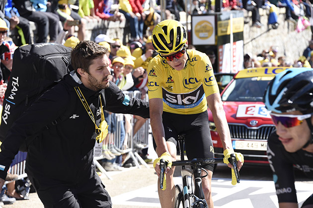 Chris Froome finishes