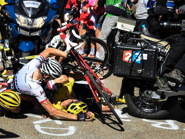 Stage 12 Froome crash