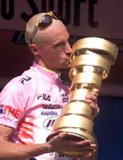 Garzelli and his trophy