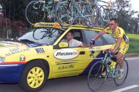 Fontanelli at the team car