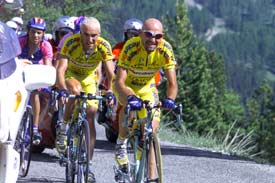 Pantani & Garzelli in a traffic jam