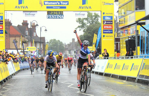Lisa Brennauer wins Britain stage 4