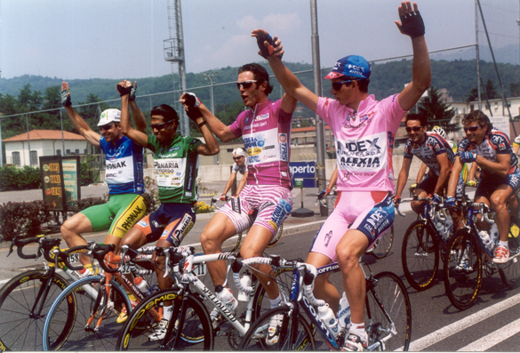 Giro winner Paolo Savoldelli with the other jersey winners