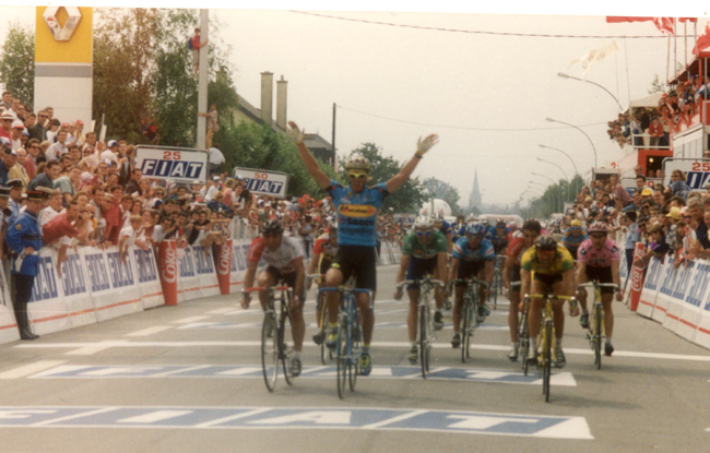 Cipollini wins the second stage of the 1995 Tour de France