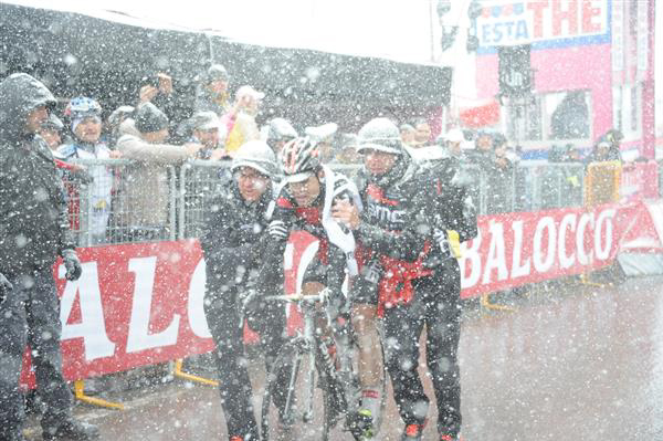 Cadel Evans finishes  2013 Giro stage 20