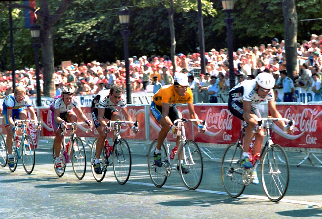 Miguel Indirain rides the final stage of the 1992 Topur de France