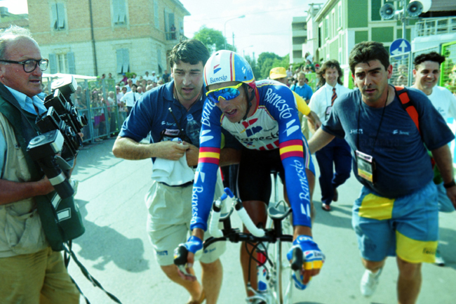 Miguel Indurain finishes 1993 Giro stage 10