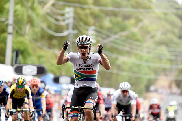 Daryl Impey wins stage 4