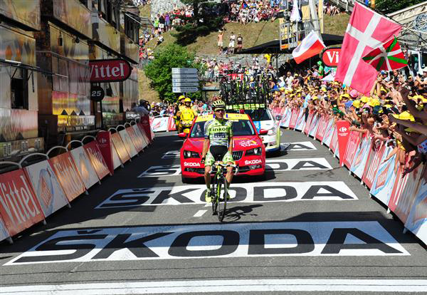 Rafal Majka wins stage 11